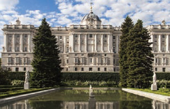 royal-palace-madrid-spain-and-portugal-tour
