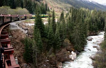alaskan-cruise-bethel-tour-vacations-near-railroad-tour